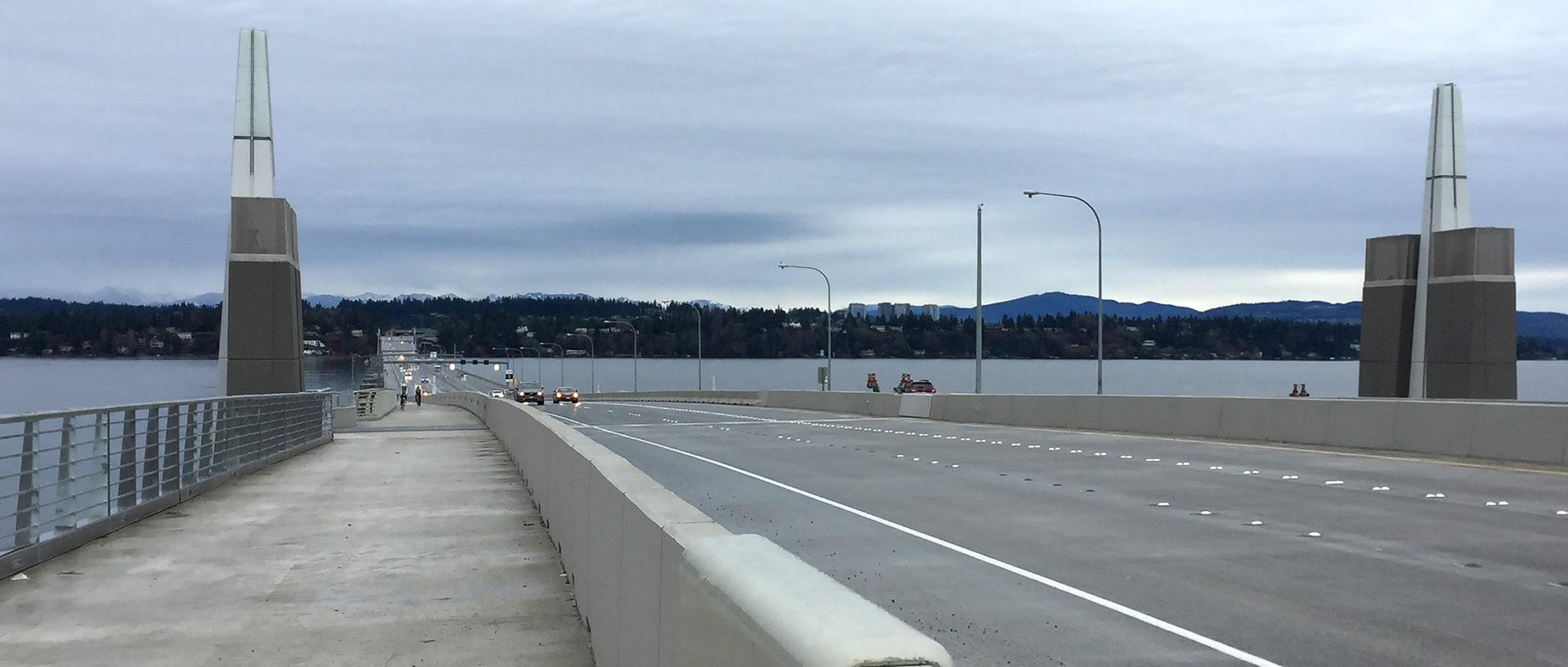 picture of 520 bridge pedestrian and bike trail