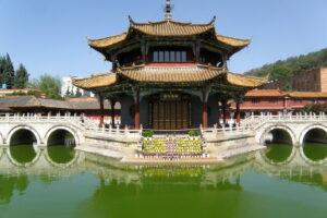 A picture of Yuan Tong Temple in Kunming