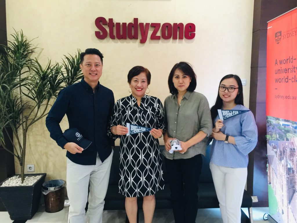 Meeting with a family at Studyzone