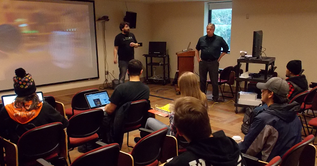 Bruce and James demo of Virtual Realirt in a class