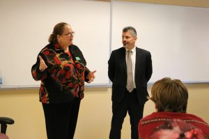 Justice Mary E. Fairhurst and Justice Steven C. Gonzalez visit a classroom.