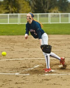 Brielle Bray threw the complete game and also had two hits to lead Bellevue to the sweep over Olympic