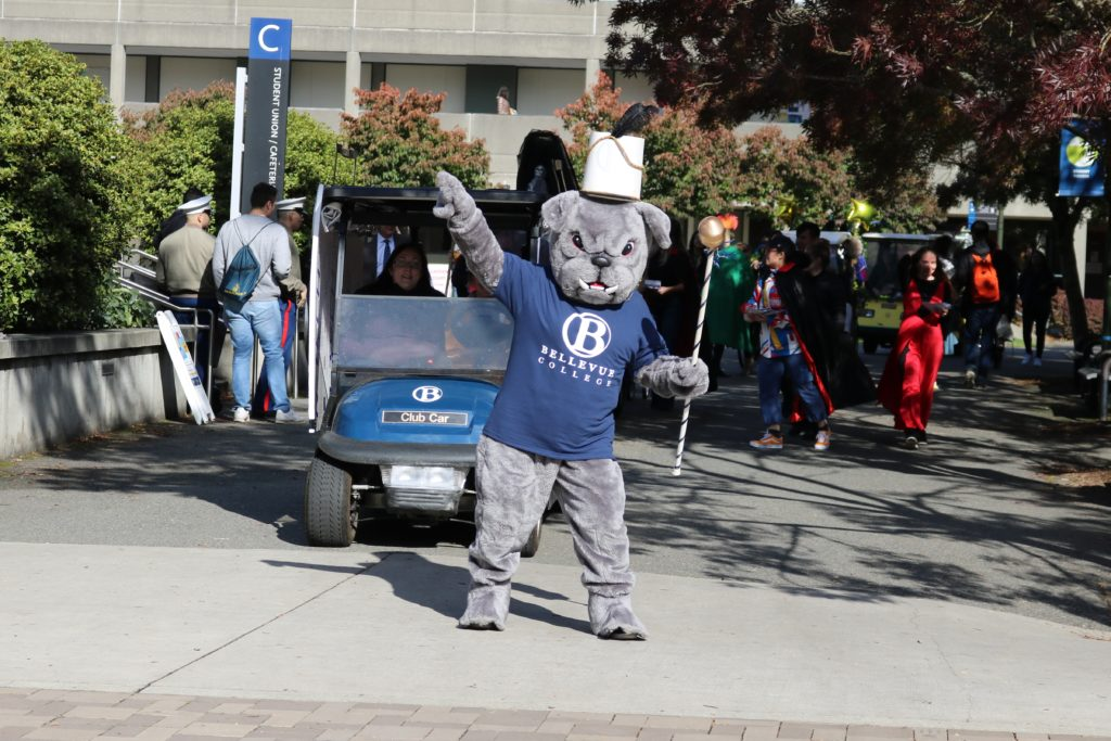 Bellevue College golf cart parade led by Brutus