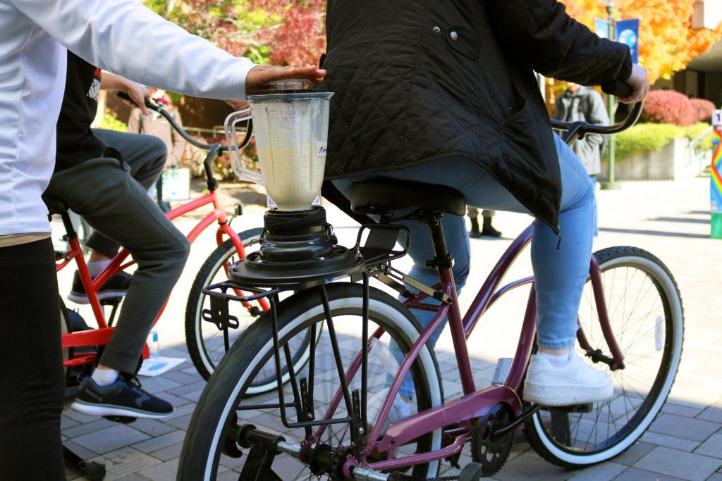 Bike smoothie blender