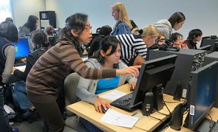 http://s.bellevuecollege.edu/wp/sites/61/2014/06/class_helping-each-other.png